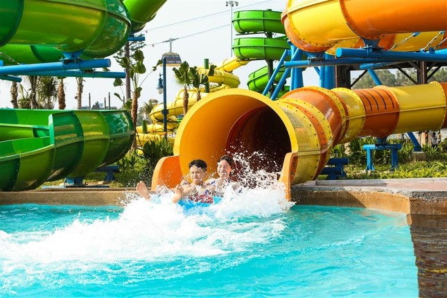 Giải cơn khát giữa hè với Typhoon Water Park Hạ Long - ảnh 3