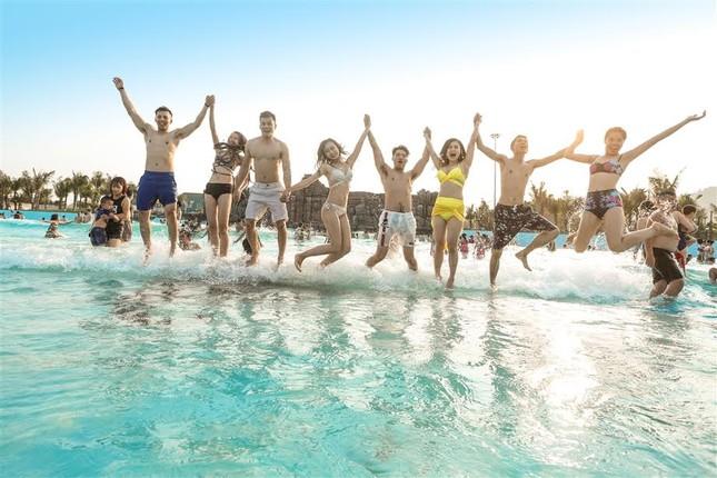 Giải cơn khát giữa hè với Typhoon Water Park Hạ Long - ảnh 4
