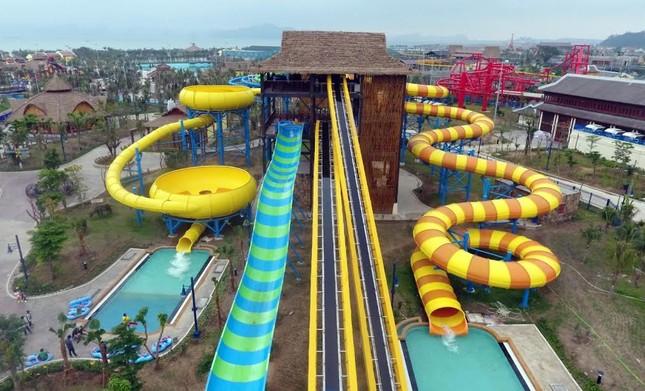Giải cơn khát giữa hè với Typhoon Water Park Hạ Long - ảnh 7