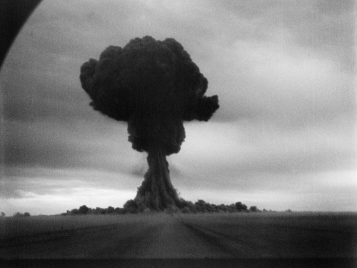Hơn 700 vụ thử hạt nhân củng cố vị thế siêu cường của Liên Xô