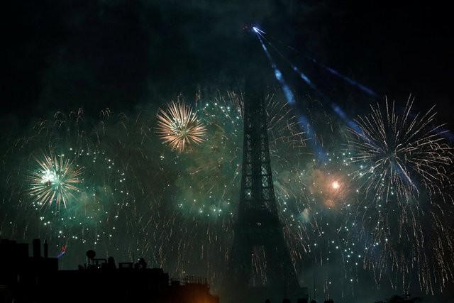 Pháo hoa rợp trời Paris mừng Quốc khánh Pháp - ảnh 5