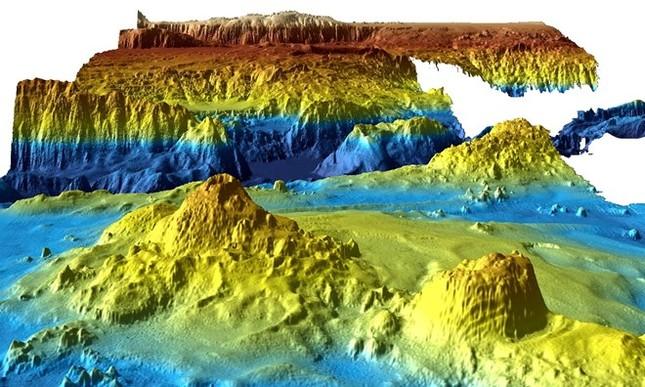Vụ máy bay MH370: Phát hiện thế giới bí ẩn dưới đáy đại dương - ảnh 1