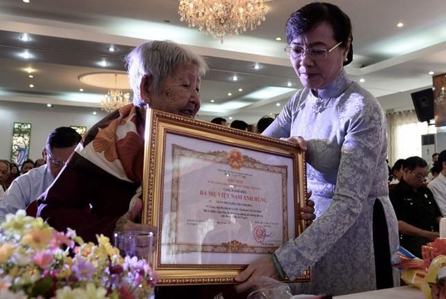 TP.HCM truy tặng 59 mẹ danh hiệu Bà mẹ Việt Nam anh hùng - ảnh 1