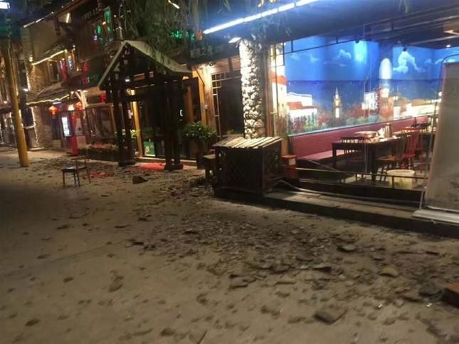 Động đất tại Trung Quốc, nghi thương vong lên tới cả trăm người - ảnh 1