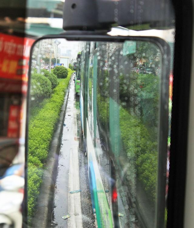 Vì sao buýt nhanh biến thành... buýt chậm? - ảnh 2