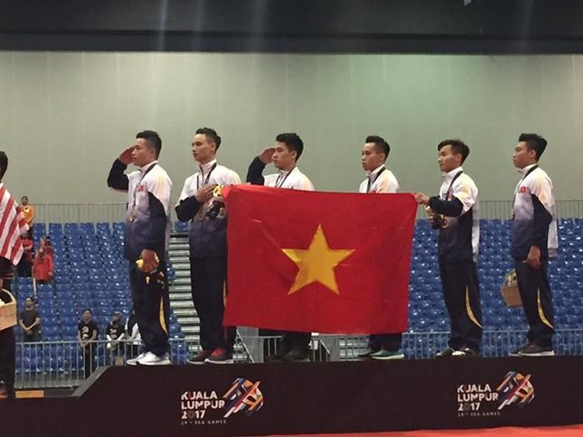 Đoạt 4 HCV, Việt Nam nhảy tam cấp trên BXH SEA Games - ảnh 1