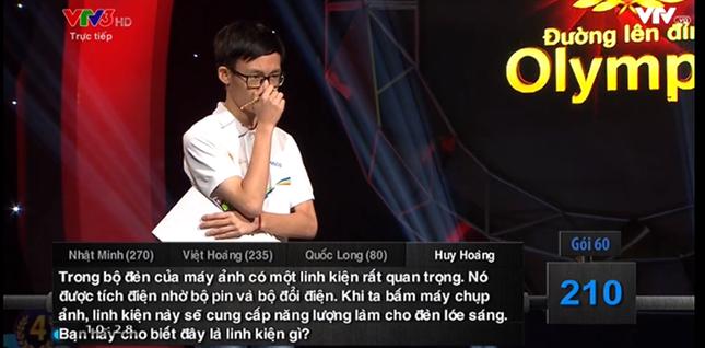 'Cậu bé Google' Phan Đăng Nhật Minh trở thành Quán quân Đường lên đỉnh Olympia năm thứ 17 - ảnh 4