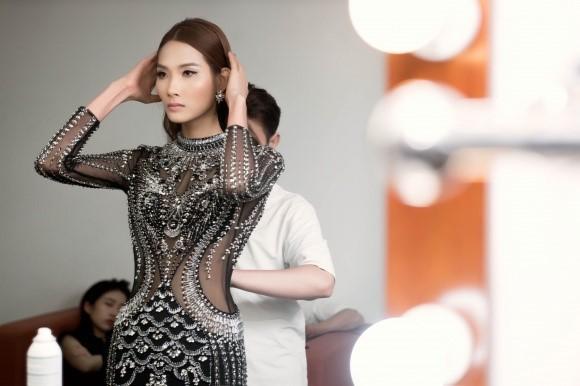 Hoàng Thuỳ: 'Tôi mệt mỏi vì diễn ở The Face' - ảnh 2
