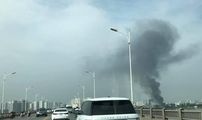 Hà Nội: Cháy dữ dội kho hàng ở cảng Bạch Đằng - ảnh 3