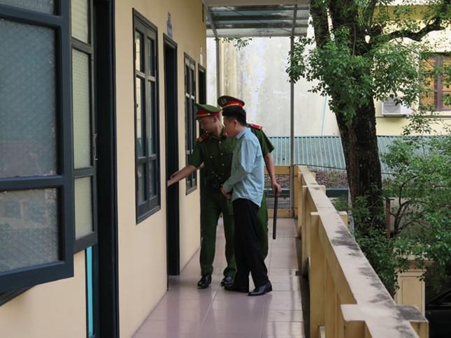 Xét xử đại án Ocean Bank: Diễn viên Quỳnh Tứ hầu tòa trong tư cách bị cáo - ảnh 1