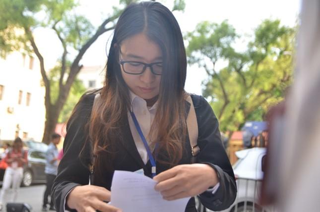 Xét xử đại án Ocean Bank: Diễn viên Quỳnh Tứ hầu tòa trong tư cách bị cáo - ảnh 4