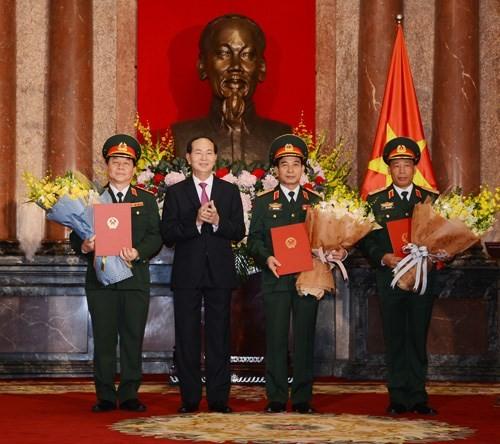 Chủ tịch nước Trần Đại Quang trao Quyết định thăng quân hàm Thượng tướng, Trung tướng - ảnh 1