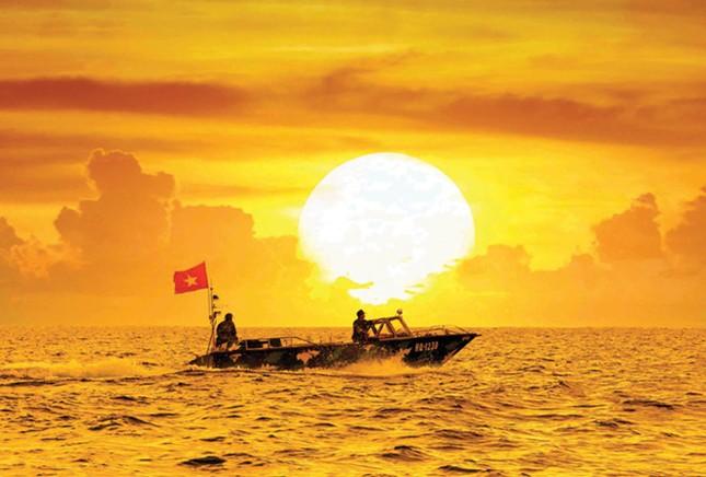 Người vẽ bản đồ nước Việt bằng ảnh - ảnh 1