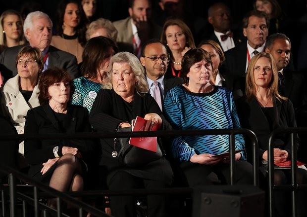 Đối thoại trực tiếp nảy lửa lần 2 giữa hai ứng cử viên Tổng thống Mỹ - ảnh 1