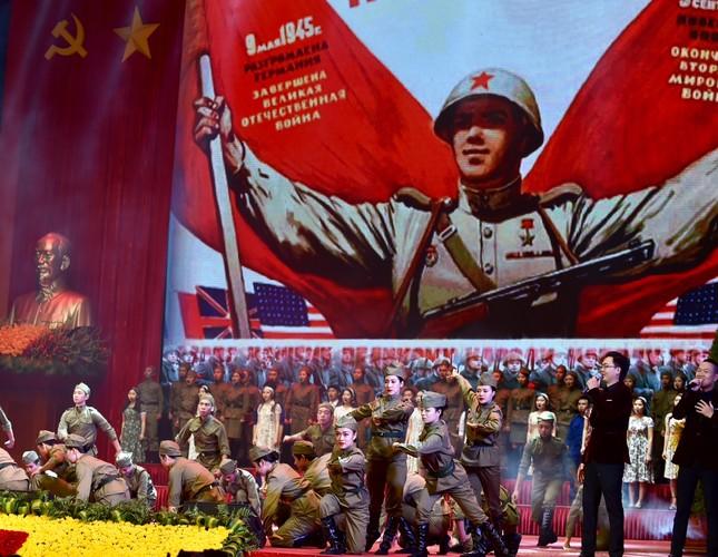 Long trọng kỷ niệm 100 năm Cách mạng Tháng Mười Nga - ảnh 2