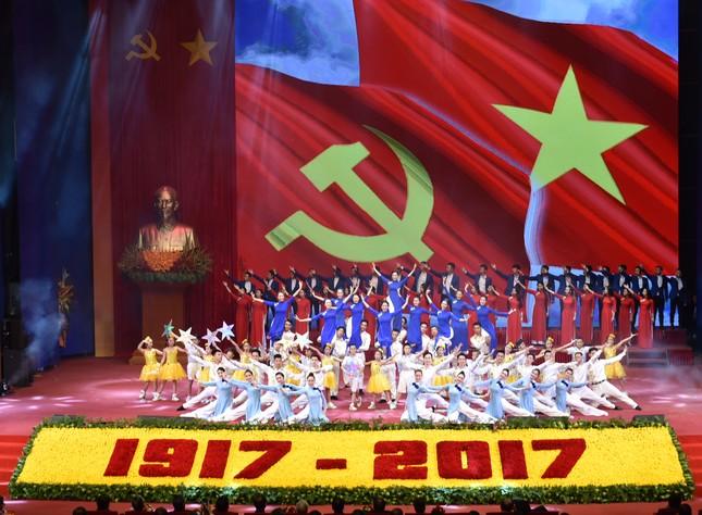 Long trọng kỷ niệm 100 năm Cách mạng Tháng Mười Nga - ảnh 3