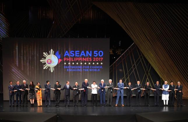 Thủ tướng dự khai mạc ASEAN-31 - ảnh 2