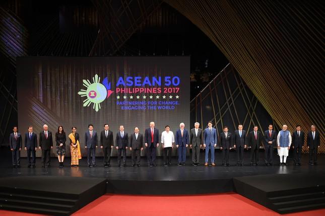 Thủ tướng dự khai mạc ASEAN-31 - ảnh 3