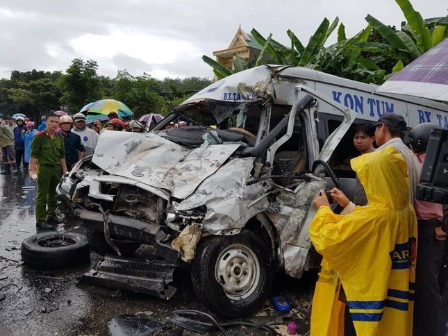 Khởi tố, tạm giam tài xế gây tai nạn khiến 17 người thương vong - ảnh 1