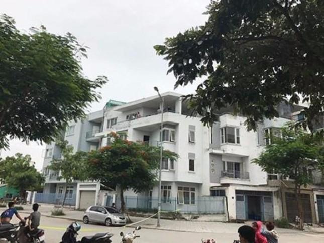 Hà Nội: Phát hiện thi thể người đàn ông treo cổ trong căn nhà hoang - ảnh 1