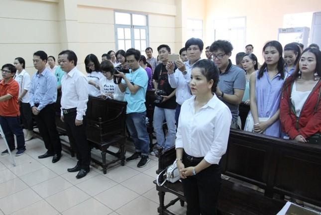 Ngọc Trinh nói gì sau khi thắng kiện Nhà hát kịch TP.HCM - ảnh 1