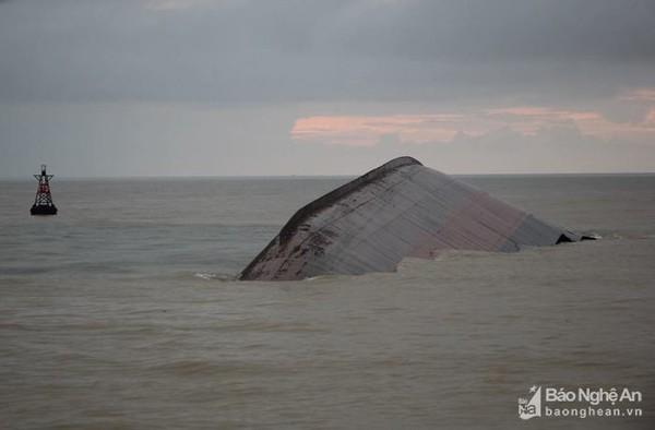 Vụ chìm tàu VTB 26: Thợ lặn ngừng tìm kiếm sau 5 ngày - ảnh 1