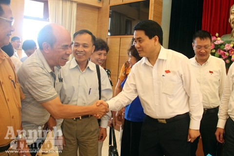 Chủ tịch Hà Nội: Chỉ hạn chế chứ không cấm hoàn toàn xe máy - ảnh 1