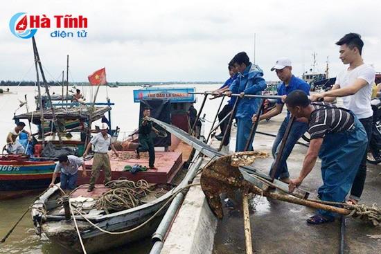 Các tỉnh Bắc Trung Bộ gấp rút ứng phó bão số 4 - ảnh 3