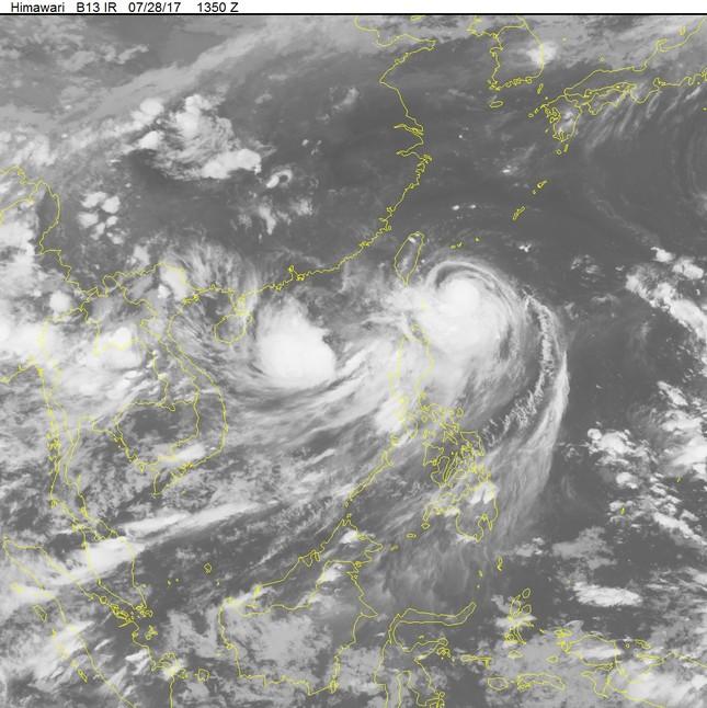 Thời tiết ngày 29/7: Bắc Bộ nắng mưa xen kẽ, ATNĐ vẫn giậm chân ngoài Biển Đông - ảnh 1