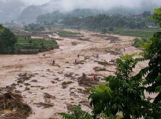 Lũ quét kinh hoàng tại Sơn La và Yên Bái khiến 17 người chết, mất tích  - ảnh 1