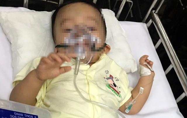 Vụ bé trai 1 tuổi bị bạo hành: Nội ngoại không biết có cháu - ảnh 2