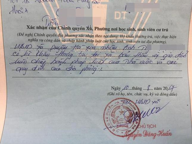 Chủ tịch xã đích thân xin lỗi gia đình tân sinh viên, xác nhận lại lý lịch - ảnh 2