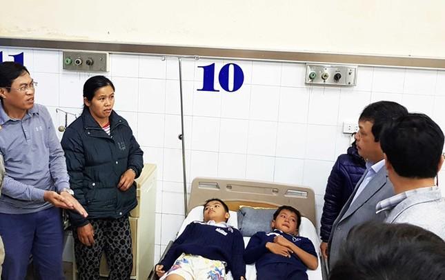 Lâm Đồng: 10 em học sinh chấn thương do sập sàn phòng học - ảnh 2