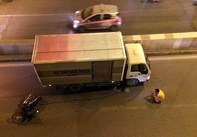 Người đàn ông tử vong dưới gầm xe tải tại hầm Kim Liên - ảnh 1