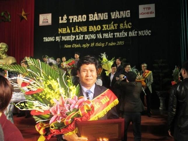 """Quảng Nam: Kỷ luật Hiệu trưởng dùng tiền ngân sách để """"mua"""" danh hiệu cá nhân - ảnh 2"""