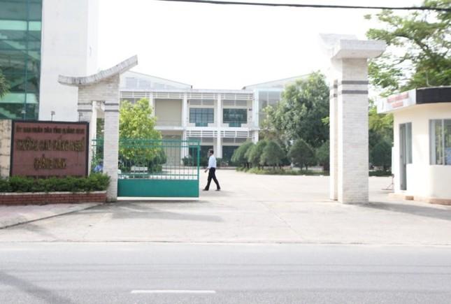 """Quảng Nam: Kỷ luật Hiệu trưởng dùng tiền ngân sách để """"mua"""" danh hiệu cá nhân - ảnh 1"""