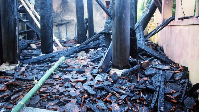 Nghệ An: Đền cổ hàng trăm năm tuổi bị thiêu hủy hoàn toàn - ảnh 2