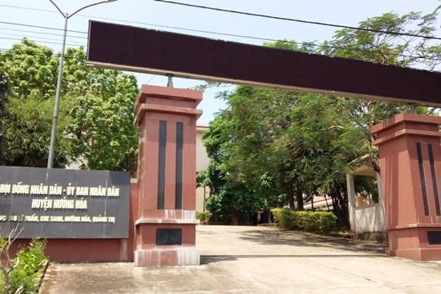 Quảng Trị: Phó ban chỉ huy phòng chống bão lũ huyện đi