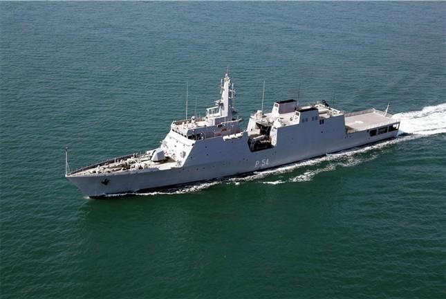 Ấn Độ đang triển khai dự án đóng 12 tàu tuần tra cho Việt Nam - ảnh 1