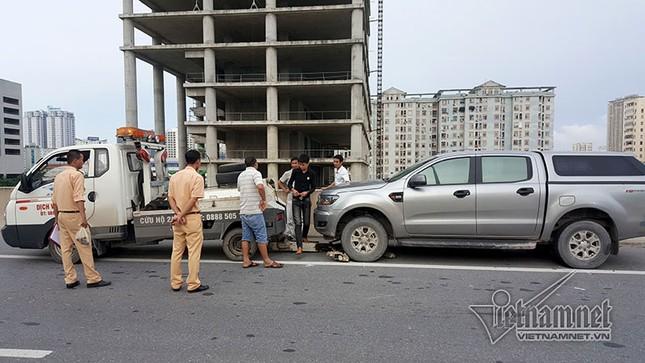 Thanh niên lái xe máy vào đường trên cao tử vong do va chạm với ô tô - ảnh 2