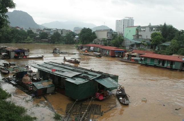 Hòa Bình: 10 người chết do mưa lũ, Quốc lộ 6 bị chia cắt - ảnh 4