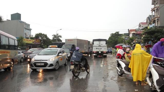 Hòa Bình: 10 người chết do mưa lũ, Quốc lộ 6 bị chia cắt - ảnh 3