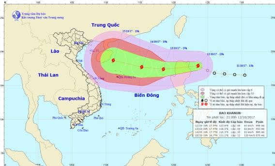 Bão Khanun càn quét biển Đông với sức gió giật cấp 13 - ảnh 1