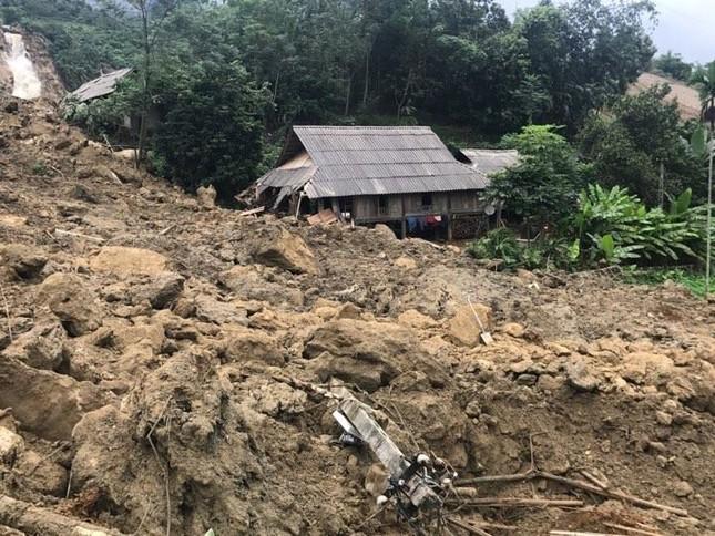Hòa Bình: Công bố tình trạng khẩn cấp về thiên tai sạt lở đất - ảnh 1