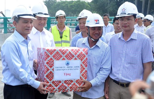Bí thư và Chủ tịch Đà Nẵng thị sát hầm chui phục vụ APEC 2017 - ảnh 1