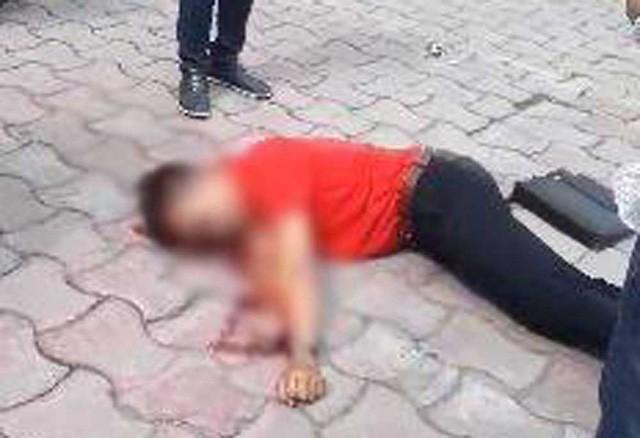 Hà Nội: Xe điên húc đổ cột điện, 1 người đi bộ bị thương - ảnh 2