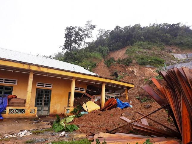 Quảng Nam: Hàng chục người chết và mất tích do sạt lở đất  - ảnh 1