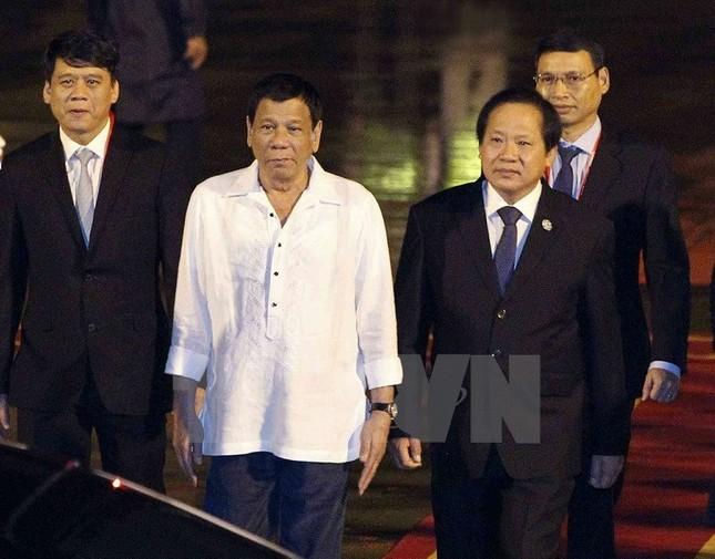 APEC2017: Tổng thống Philipines Rodrigo Duterte đặt chân đến Việt Nam - ảnh 1