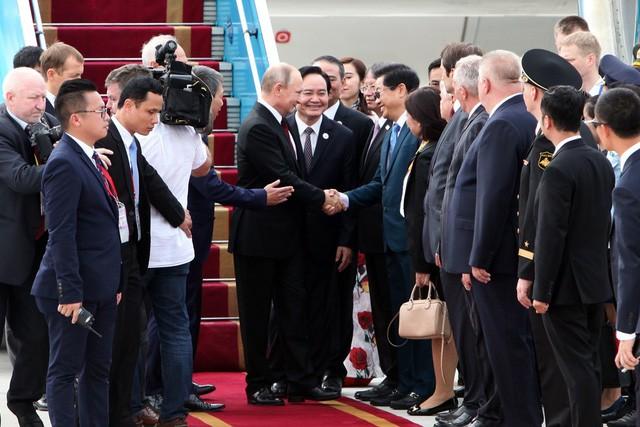 APEC 2017: Tổng thống Nga Putin đã đến Việt Nam - ảnh 3