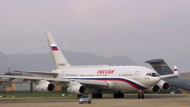 APEC 2017: Tổng thống Nga Putin đã đến Việt Nam - ảnh 1